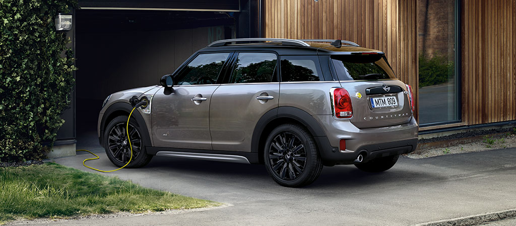 OCTOBER SAVINGS: COUNTRYMAN HYBRID SUV